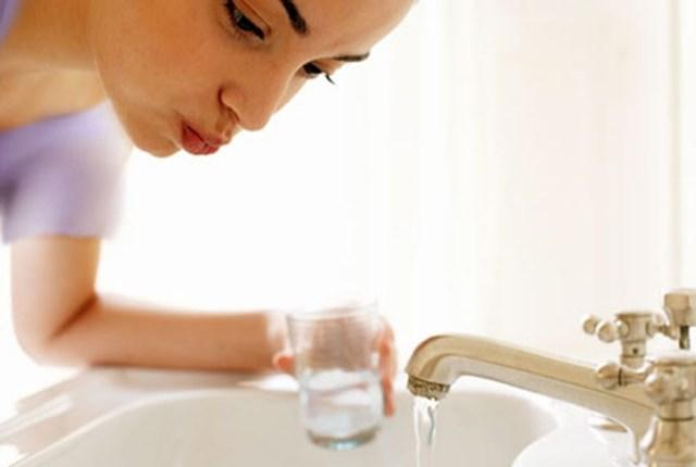 остановить кровоточивость десен в домашних условиях