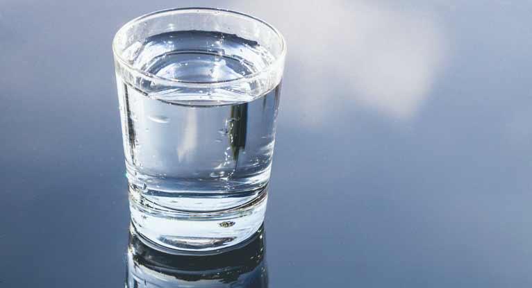лечение запора минеральной водой