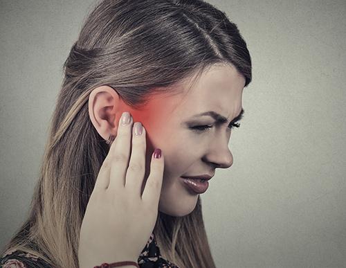 шум в правом ухе без боли