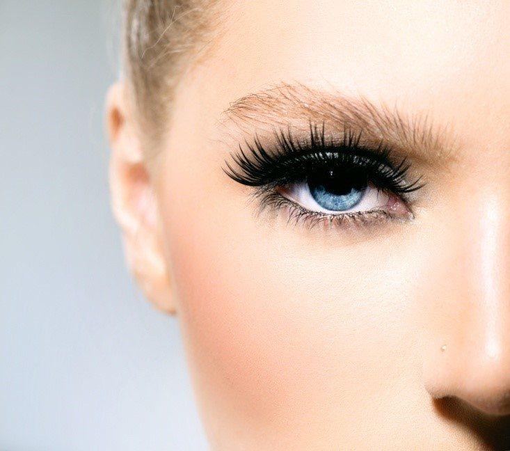 Почему выпадают ресницы у женщин? Стимуляторы роста ресниц