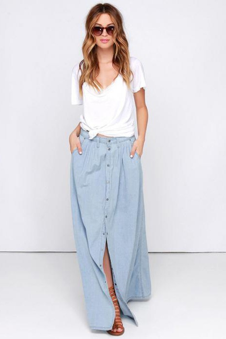 Длинная джинсовая юбка с пуговицами спереди