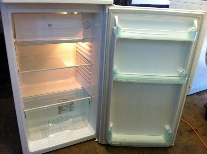 холодильник атлант горит красная лампочка внимание