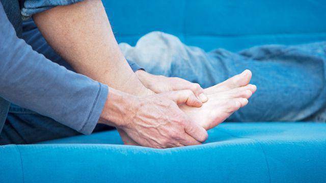 симптомы плохого кровообращения ног