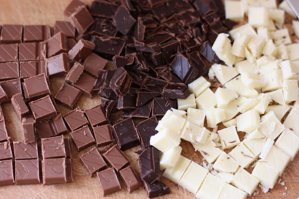 шоколад разного цвета