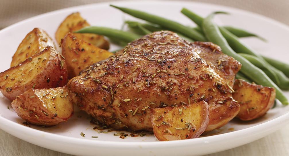 кусок курицы и картошка