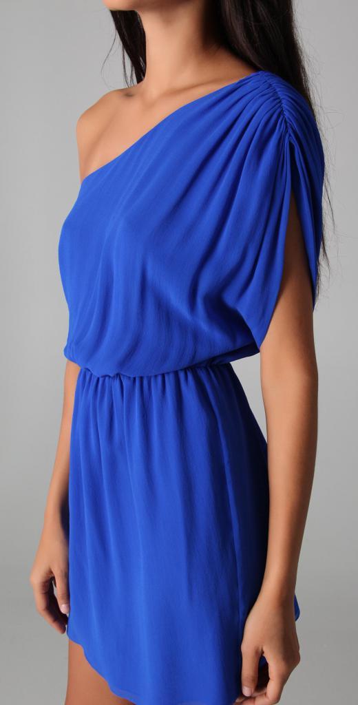 красивые шелковые платья
