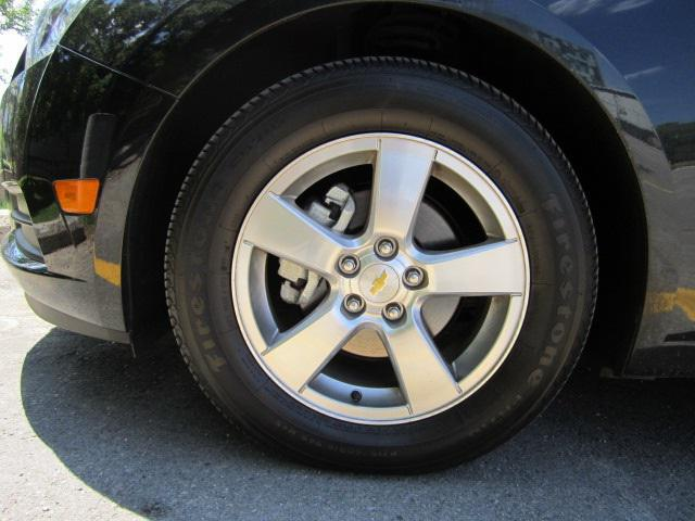 "Размер колес ""Шевроле Круз"": характеристика и особенности шин"