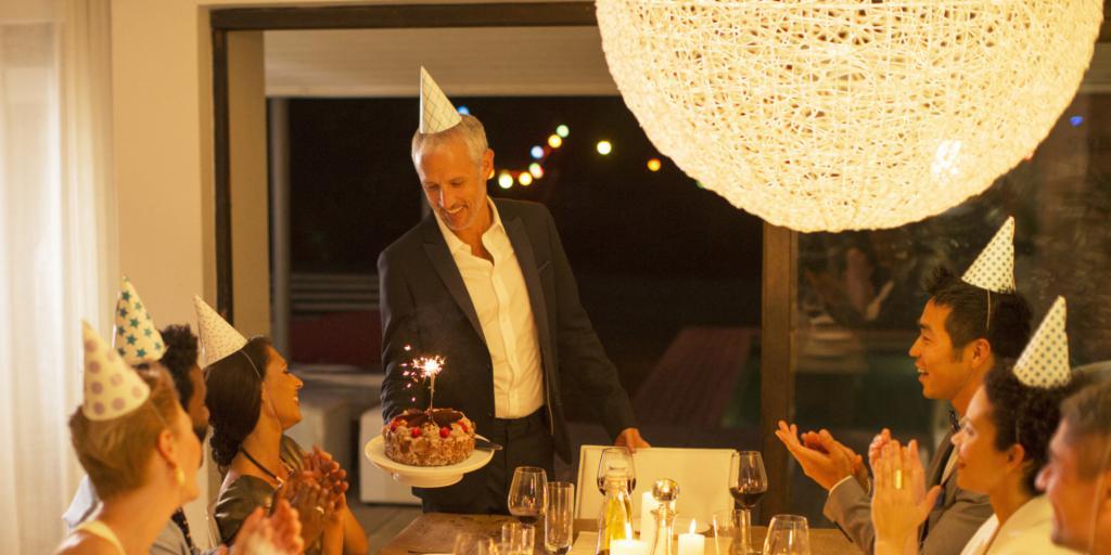 Как поздравить с днем рождения мужчину