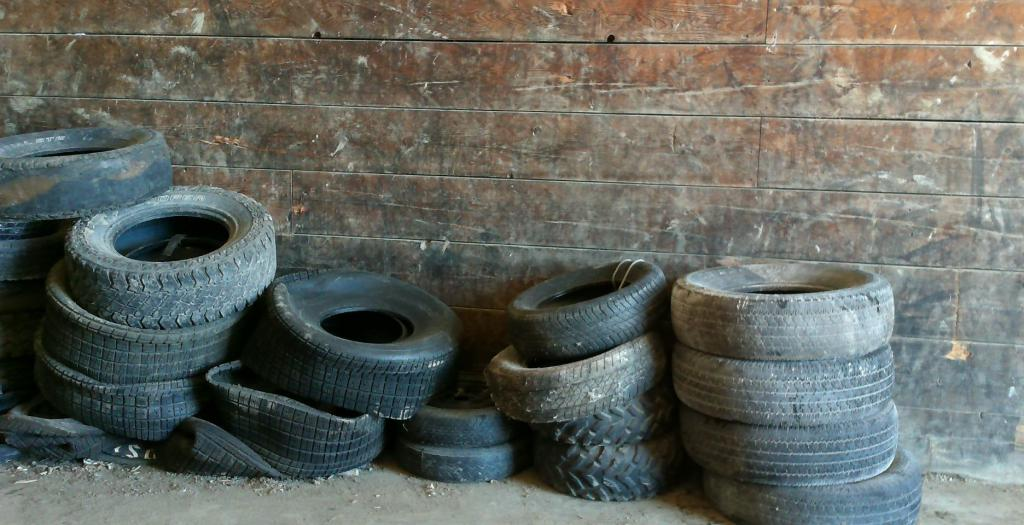 What to make from old tires
