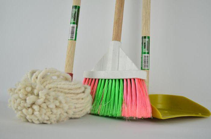 Menetelmä ruiskuttaa ja MOP lattian puhdistus aine