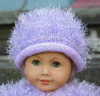связанная одежда куклы