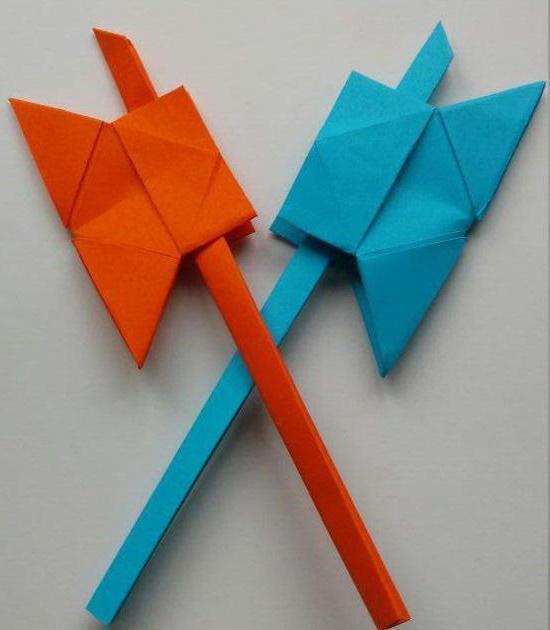 как сделать из бумаги топор