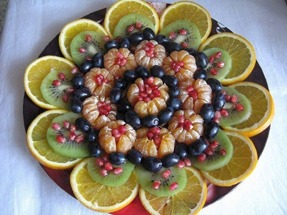 Красивая подача фруктов и ягод