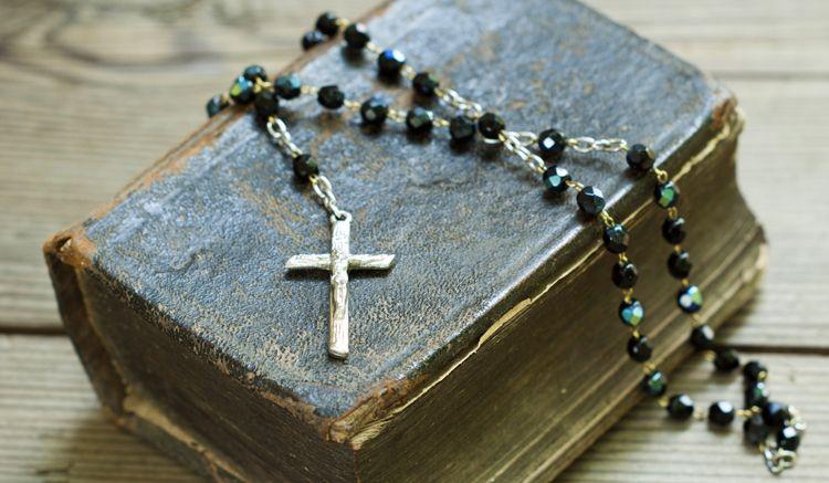 какие молитвы читать по усопшему