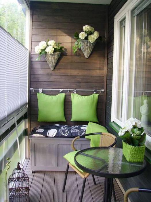 Дизайн спальни 18 кв. м. с балконом