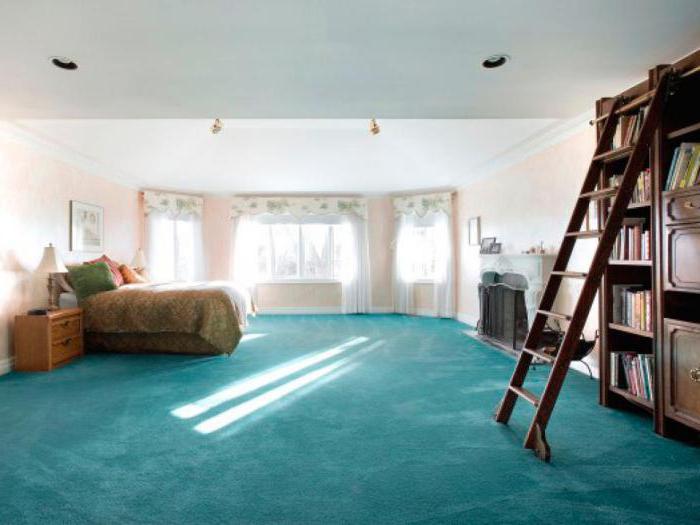 Дизайн спальни с балконом 14 кв.м.
