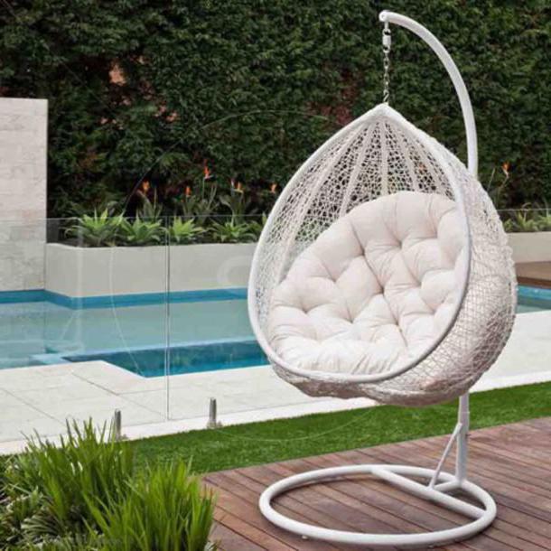 Стулья и кресла из искусственного ротанга