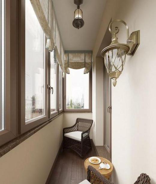 Дизайн спальни с балконом.