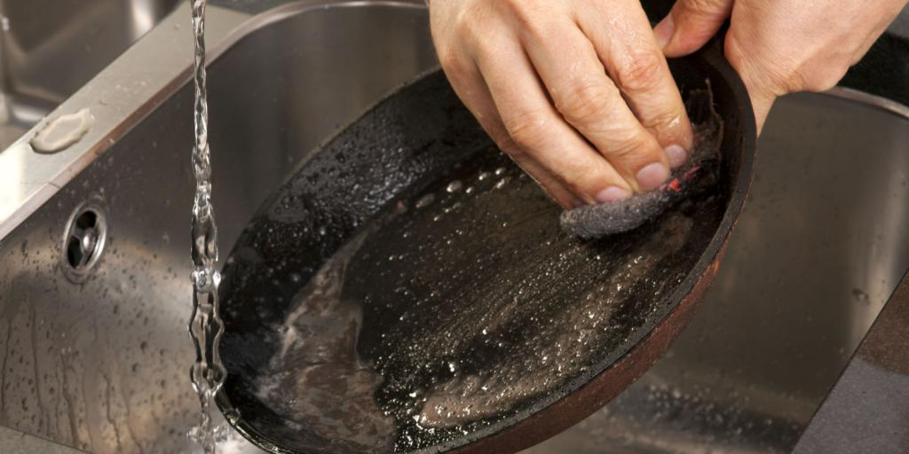 how to clean teflon pan from soot