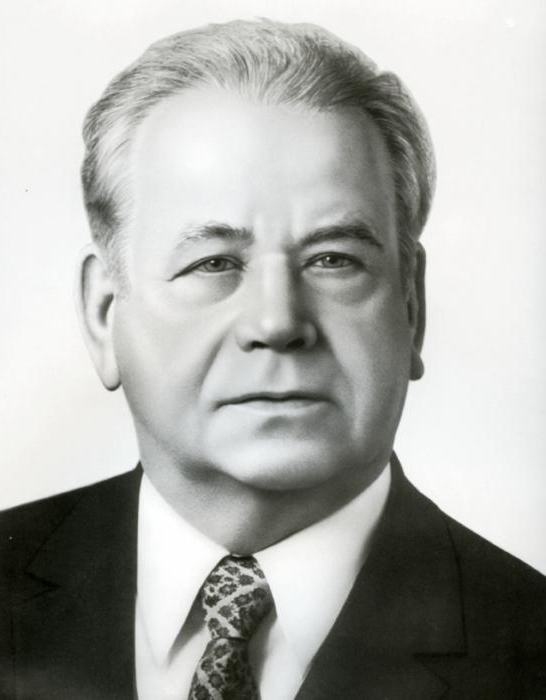 Кириленко Андрей Павлович: биография, семья, родственники ...: http://fb.ru/article/306774/kirilenko-andrey-pavlovich-biografiya-semya-rodstvenniki-foto