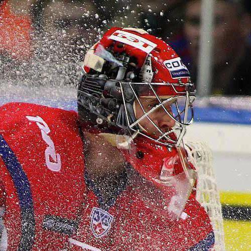 Кочнев Дмитрий хоккей. Фото