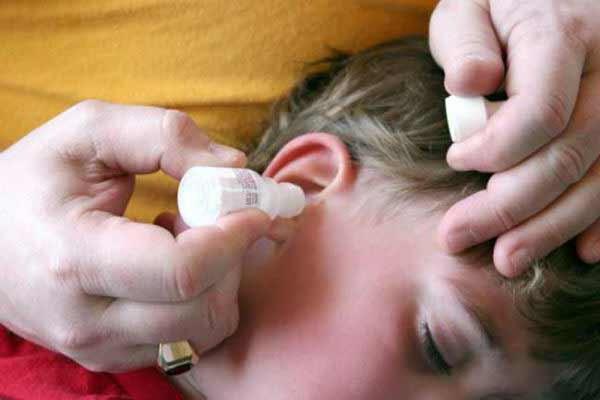 чистка ушей от серных пробок перекисью водорода