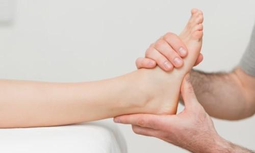 Вывих мизинца на ноге: причины, симптомы, лечение