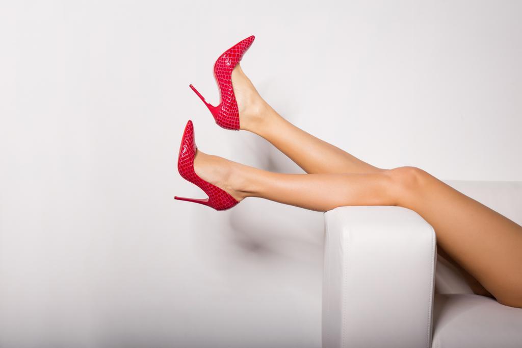 Картинки женские ножки в туфлях, прикольных