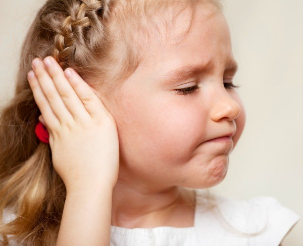 Congestion in the child's ear