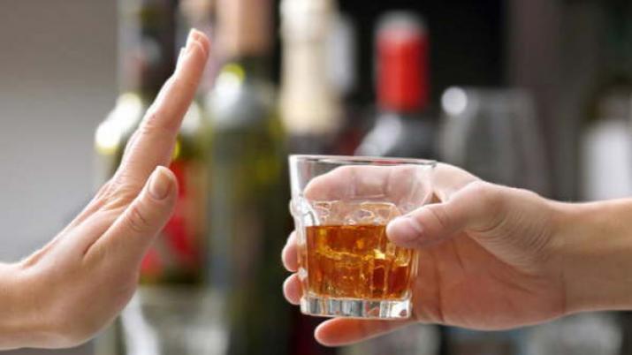 Запрещено сочетать алкоголь и лекарство