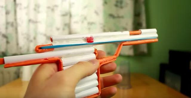 Как сделать ружье из бумаги легко и быстро