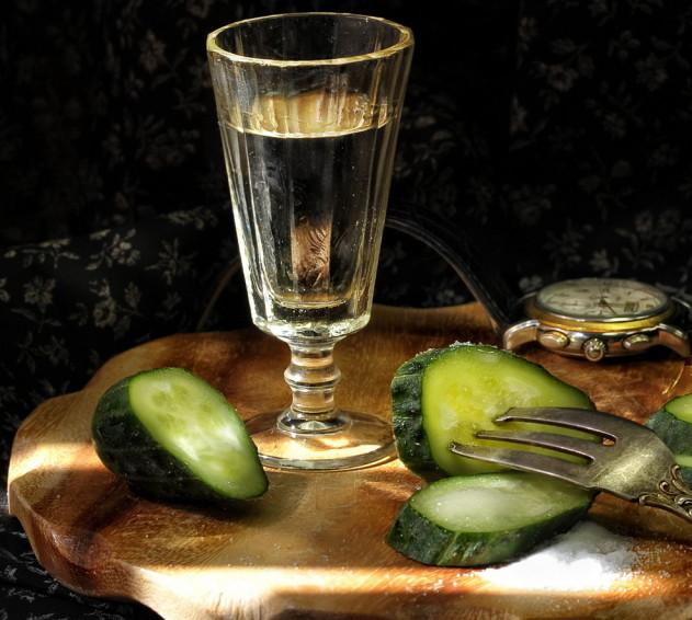 Можно ли пить водку при наличии заболеваний: мнение и советы врачей