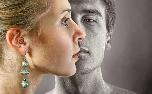 Зачем бывшие напоминают о себе: причины, мнение психолога