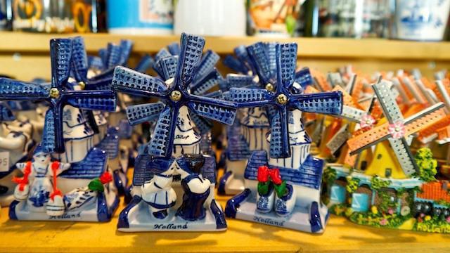 сувениры из амстердама что привезти