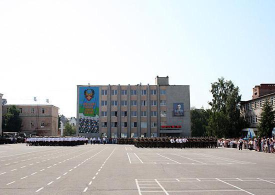 военные институты для девушек в санкт петербурге