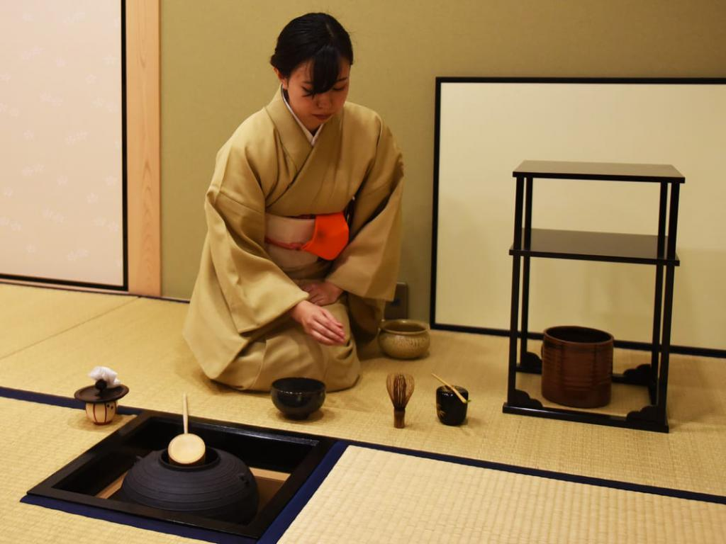 an essay on the japanese tea ceremony C hadō or sadō (the way of tea sometimes also called chanoyu, hot water for tea, or ocha, literally just tea) is the ritual of preparing and serving green tea it takes place in a room, sparsely decorated with tatami mats and a hanging scroll or flower arrangement, with up to five guests kneeling on cushions.