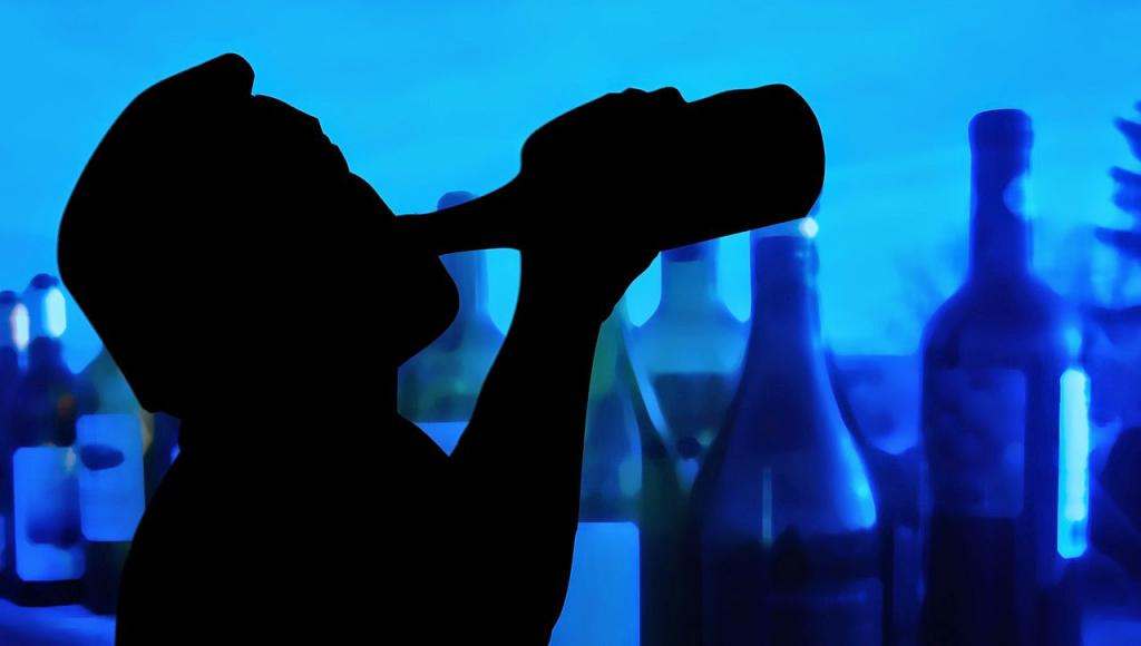 пьющий человек