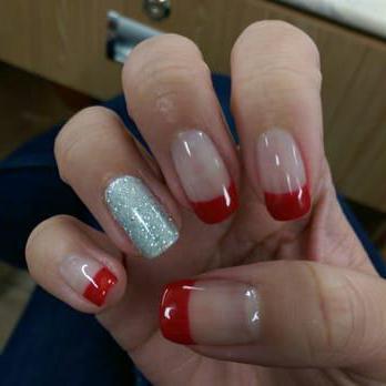 дизайн ногтей с красным френчем фото