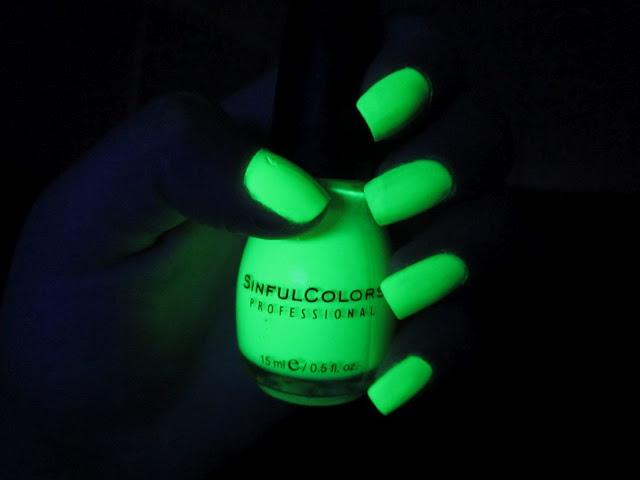 Зеленое свечение лака