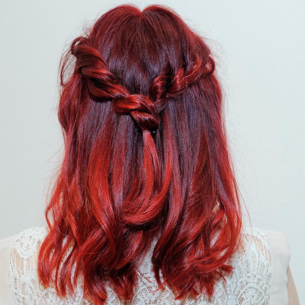 Красно-каштановые волосы