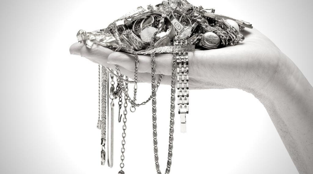 Серебряная глина: применение, свойства, особенности