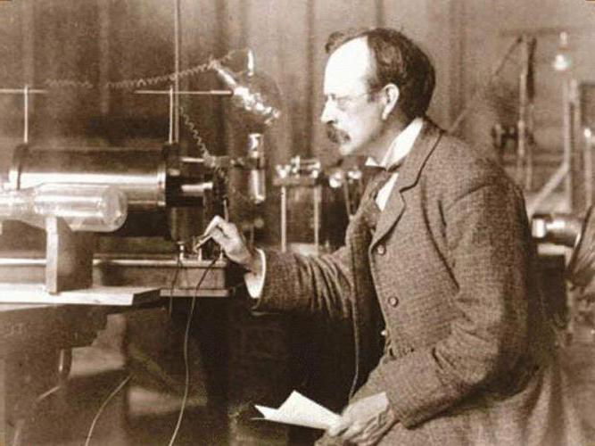 Кто и когда открыл электрон