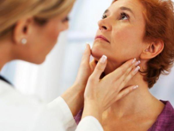 Плохой запах из горла: причины и способы лечения