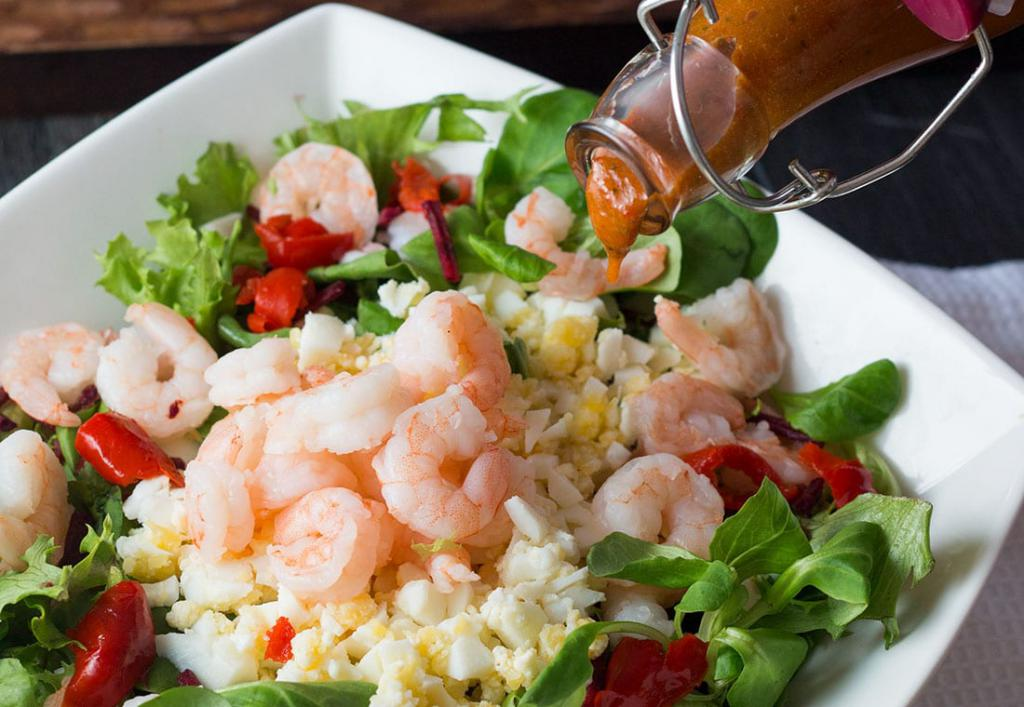 салат с креветками и рисом басмати картинки еще
