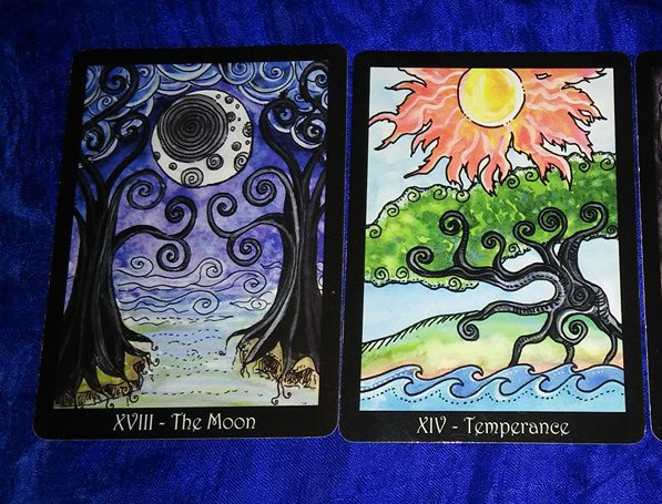 The combination of the cards of the moon and moderation