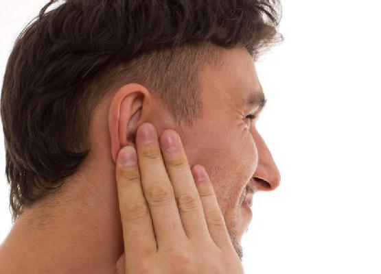 стук в ухе причины и лечение