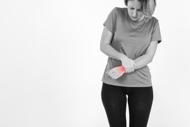 Болит лучезапястный сустав причины как лечить