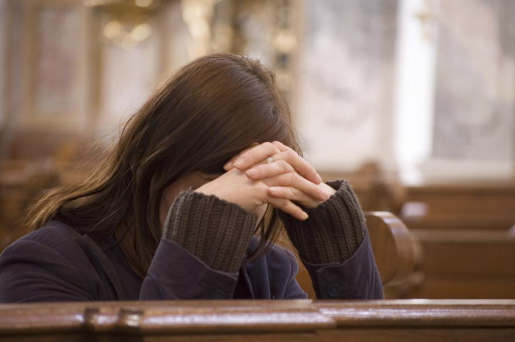 сильная молитва от болезней ребенка