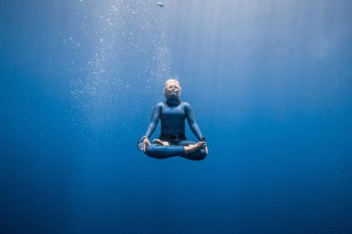 как надолго задержать дыхание под водой