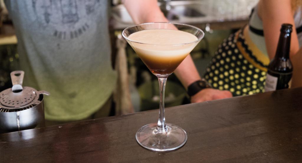 свойства зеркал коктейль кофейный с шампанским фото любимая